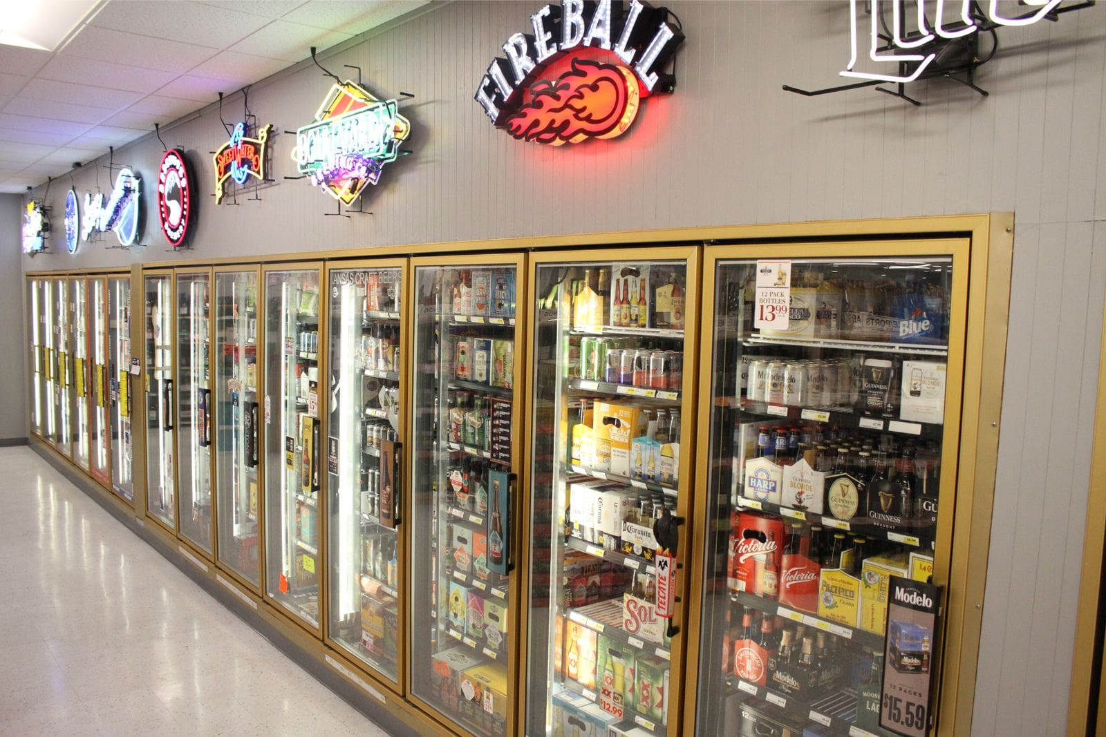 R & J Discount Liquor Beer Selection